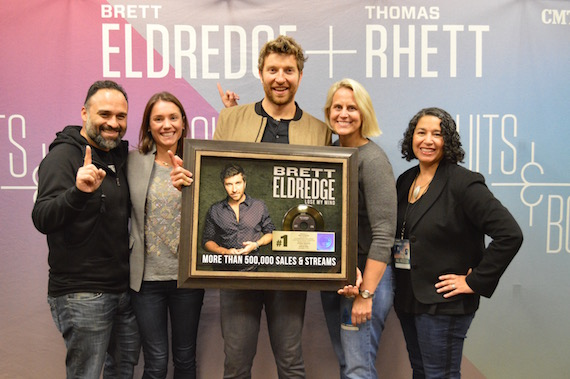 Pictured (L-R): Lou Ramirez, Regional Promotion Manager, WMN; Liz Kennedy, Director, Communications and Gold & Platinum Program, RIAA; Brett Eldredge; Meg Stevens, Senior Vice President, Programming, iHeartMedia DC/Baltimore; Michele Ballantyne, Executive Vice President, Public Policy and Industry Relations, RIAA.