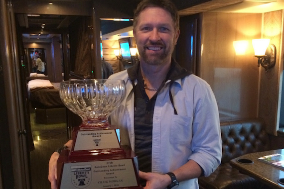 Craig Morgan and the AutoZone Liberty Bowl Achievement Award