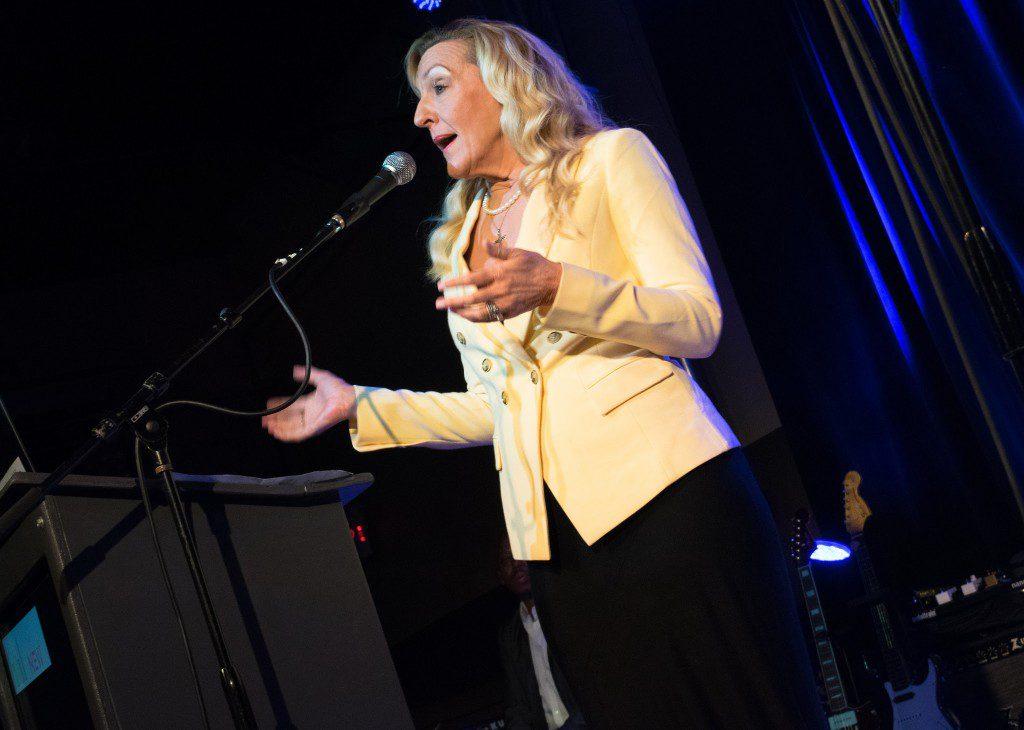 Renee Guyer Buchanan speaks at WHO KNEW: Women Who Rock. Photo: Autumn Haile
