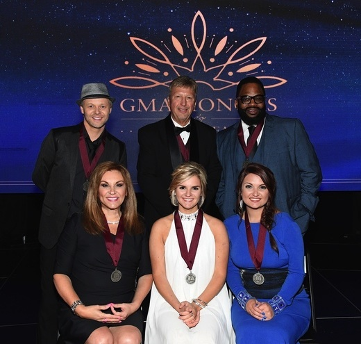 Pictured (L-R, Back): Jason Nelon, Howard Rachinski, Hezekiah Walker; (L-R, Front) Kelly Nelon, Autumn Nelon and Amber Nelon. Photo: Jason Davis/Getty Images for GMA