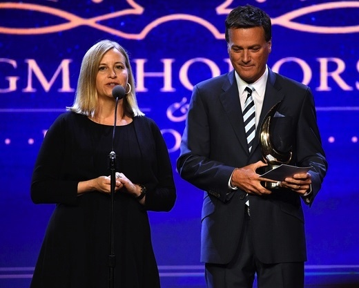 Pictured (L-R): Nashville Mayor Megan Barry, Michael W. Smith. Photo: Jason Davis/Getty Images for GMA)