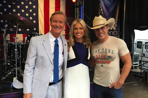 Pictured (L-R): FOX & Friends hosts Steve Doocy and Ainsley Earhardt, and Dustin Lynch