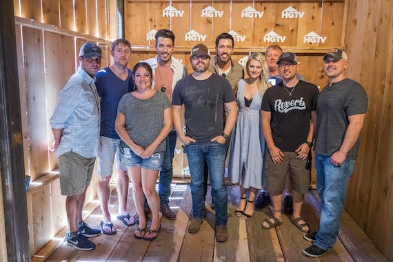 (Pictured L-R): ASCAP's Michael Martin, Ashley Gorley, ASCAP's Alison Webber, Property Brothers' Jonathan Scott, Deric Ruttan, Property Brothers' Drew Scott, ASCAP's Beth Brinker and Mike Sistad, Chris DeStefano and Jon Nite at the ASCAP Hit Songwriters Round at the HGTV Lodge