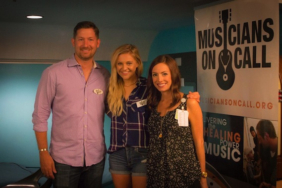 Pictured (L-R): Pete Griffin, President, Musicians On Call; Kelsea Ballerini; Julie Schwarz, Child Life Zone Coordinator, Phoenix Children's Hospital