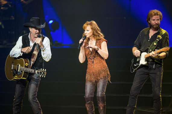 Reba and Brooks & Dunn at The Colosseum at Caesars Palace. Photo: Justin McIntosh