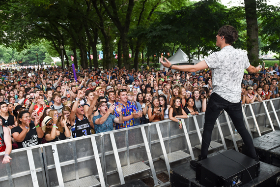 The Weathers on the 2016 BMI Stage at Lollapalooza.