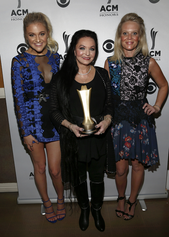 Pictured (L-R): Kelsea Ballerini, Crystal Gayle, ACM EVP, Managing Director Tiffany Moon. Photo: Getty Images for ACM