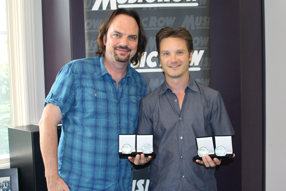 Pictured (L-R): Sherod Robertson, Owner/Publisher, MusicRow; Josh Kear. Photo: Molly Hannula
