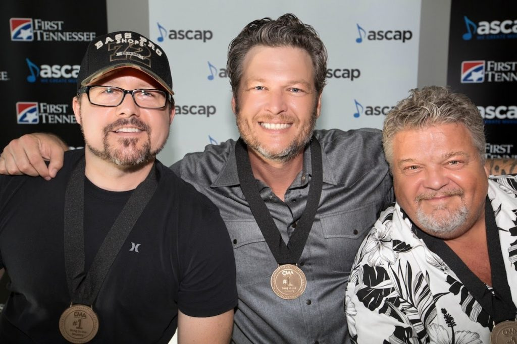 Pictured (L-R): Songwriter Deric Ruttan, Blake Shelton, songwriter Craig Wiseman. Photo: Ed Rode for ASCAP