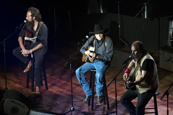 Pictured (L-R): Sam Beam, Ramblin' Jack Elliott, Steve Earle. Photo: Steve Lowry/Ryman Archives