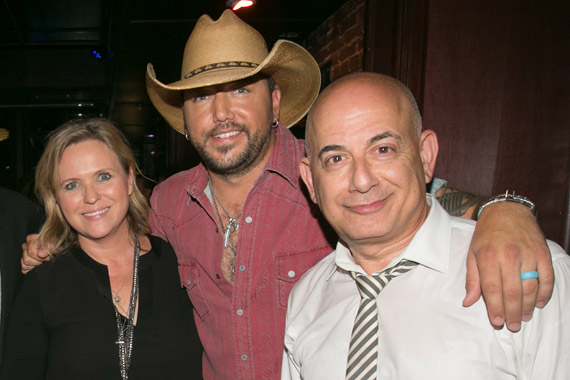 Pictured (L-R): Academy of Country Music's Lisa Lee, Jason Aldean and CBS' Jack Sussman. Photo: Katie Kauss