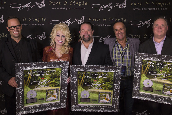 Pictured (L-R): Shane Carter, President, Sony Music Entertainment Canada, Inc.; Dolly Parton; Danny Nozell, President/CEO, CTK Management; Simon Rayner, Director, Marketing, Sony Music Entertainment Canada, Inc.; Kirt Webster, President, Webster Public Relations