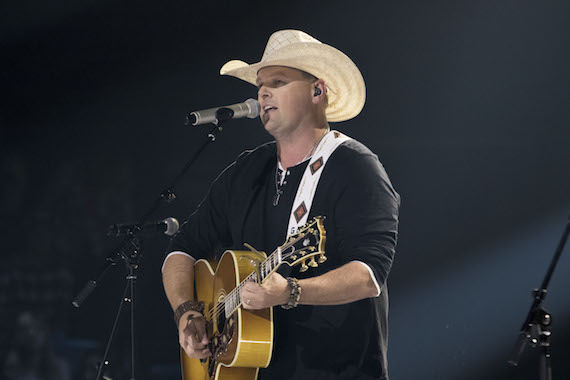 Gord Bamford performs. Photo: Grant W. Martin Photography