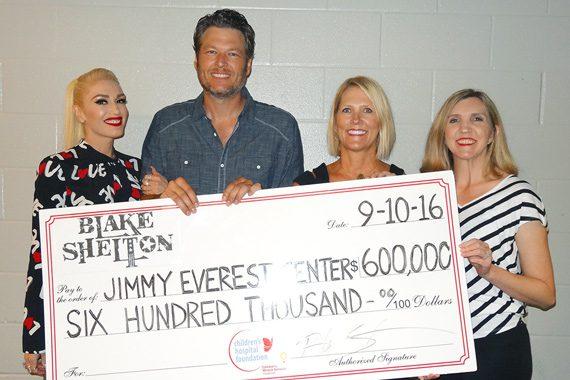 Pictured (L-R): Gwen Stefani, Blake Shelton, Evelyn Bollenbach, Dr. Ashely Baker of the Jimmy Everest Center