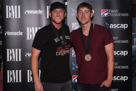"Cole Swindell Celebrates No  1 Single ""You Should Be Here"" :"
