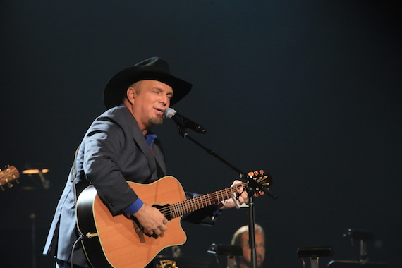 Garth Brooks performs. Photo: Moments By Moser Photography