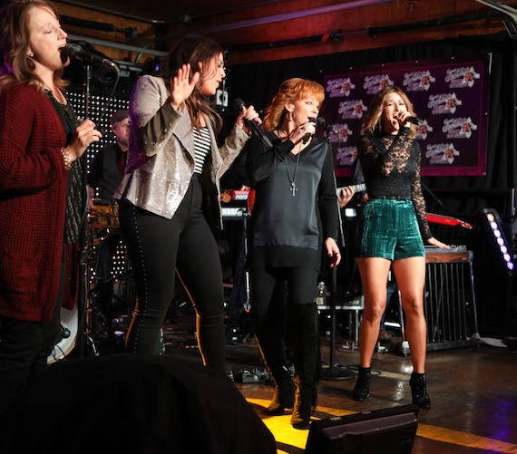 (ABC/Chris Hollo) HILLARY SCOTT, REBA MCENTIRE, CASSADEE POPE
