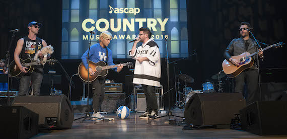 """Ashley Gorley, Dan + Shay and Chris DeStefano perform """"Nothin' Like You"""" in costume as each other. Photo: Ed Rode"""