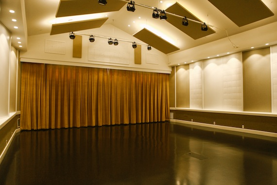 eugeniahall-live-room-04