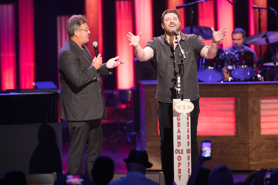 e28835a69e76ec Vince Gill invites Chris Young to become the newest member of the Grand Ole  Opry