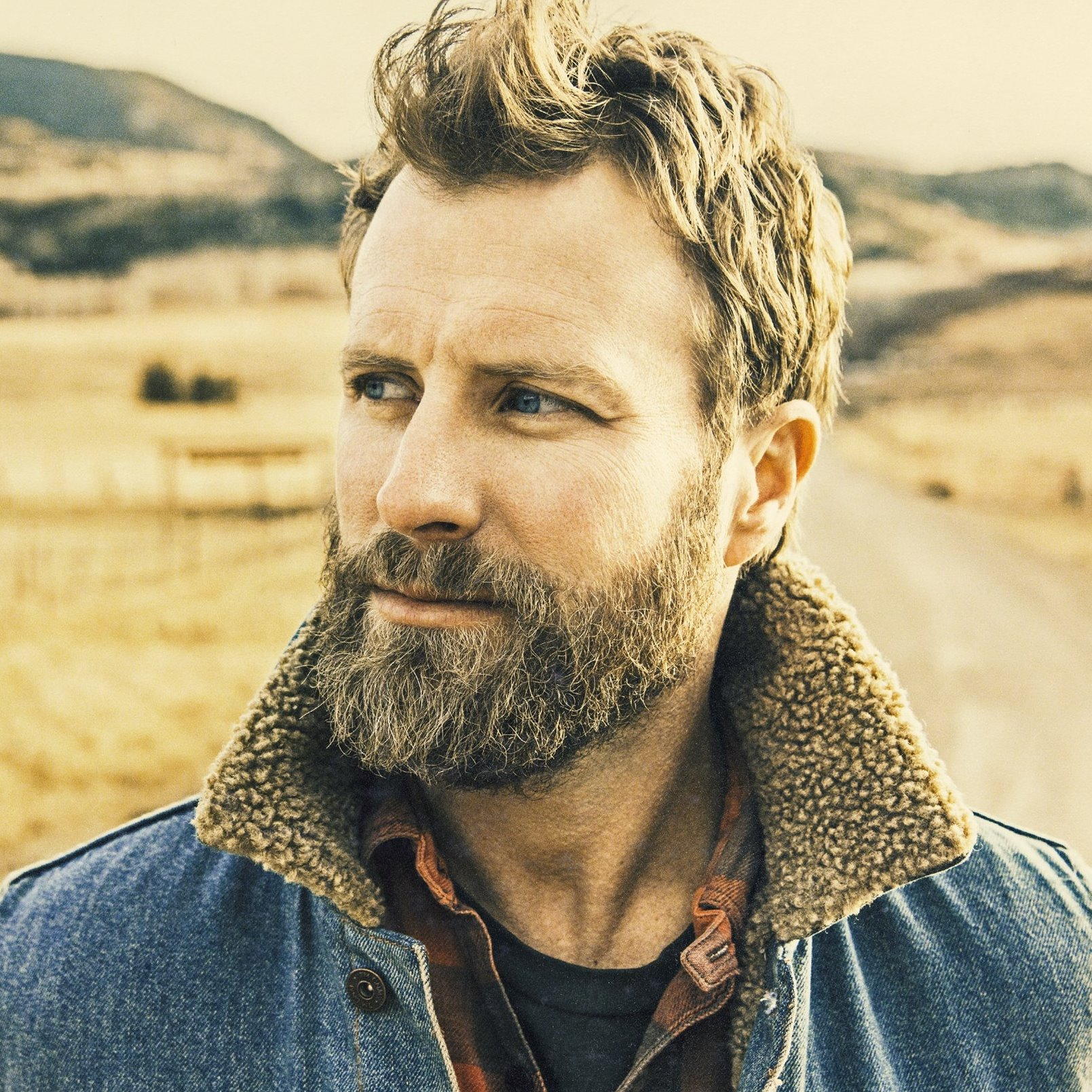 Q A Dierks Bentley Raises A Mountain With Inspiration And Gratitude Musicrow Com