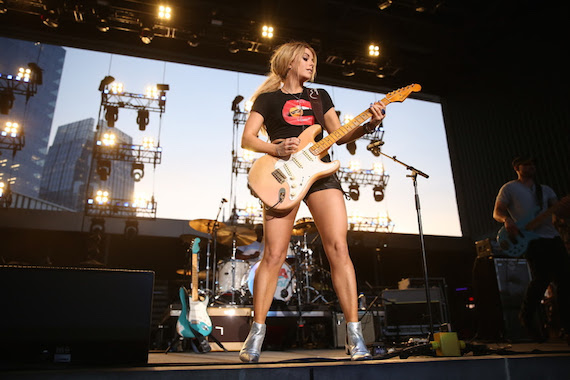 In Pictures Artists Light Up Nashville Stages For Cma