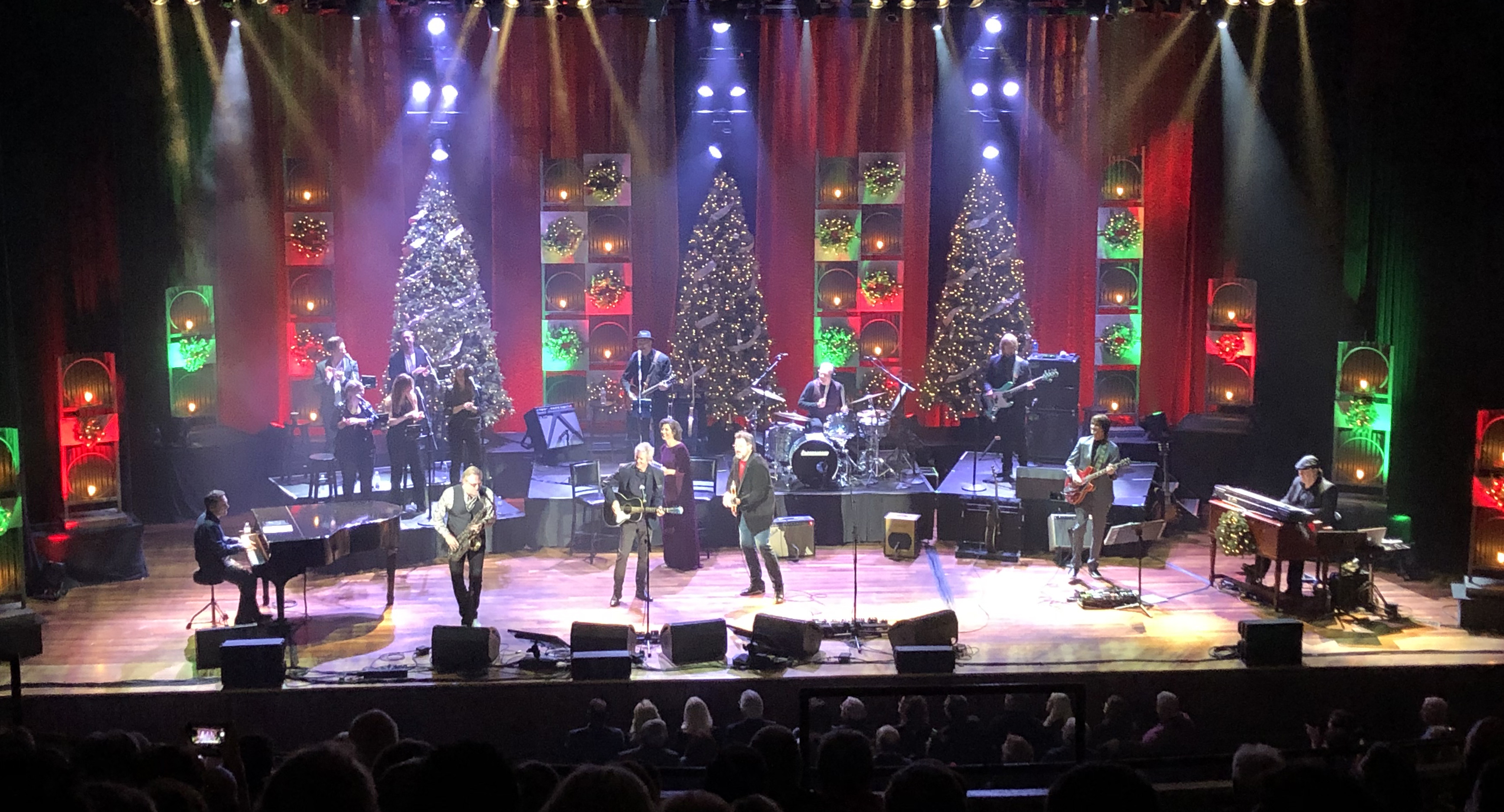 Ryman Auditorium 2020 Christmas Shows Vince Gill, Amy Grant Unleash Spectacular Talent During Ryman