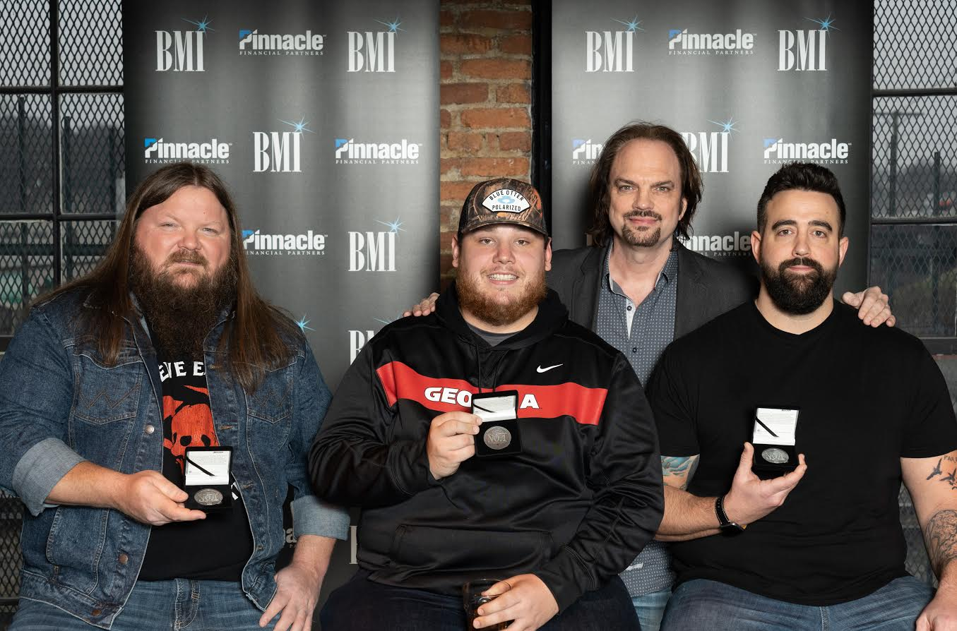 Can't Stop The Train: Luke Combs Celebrates Fourth No  1 :
