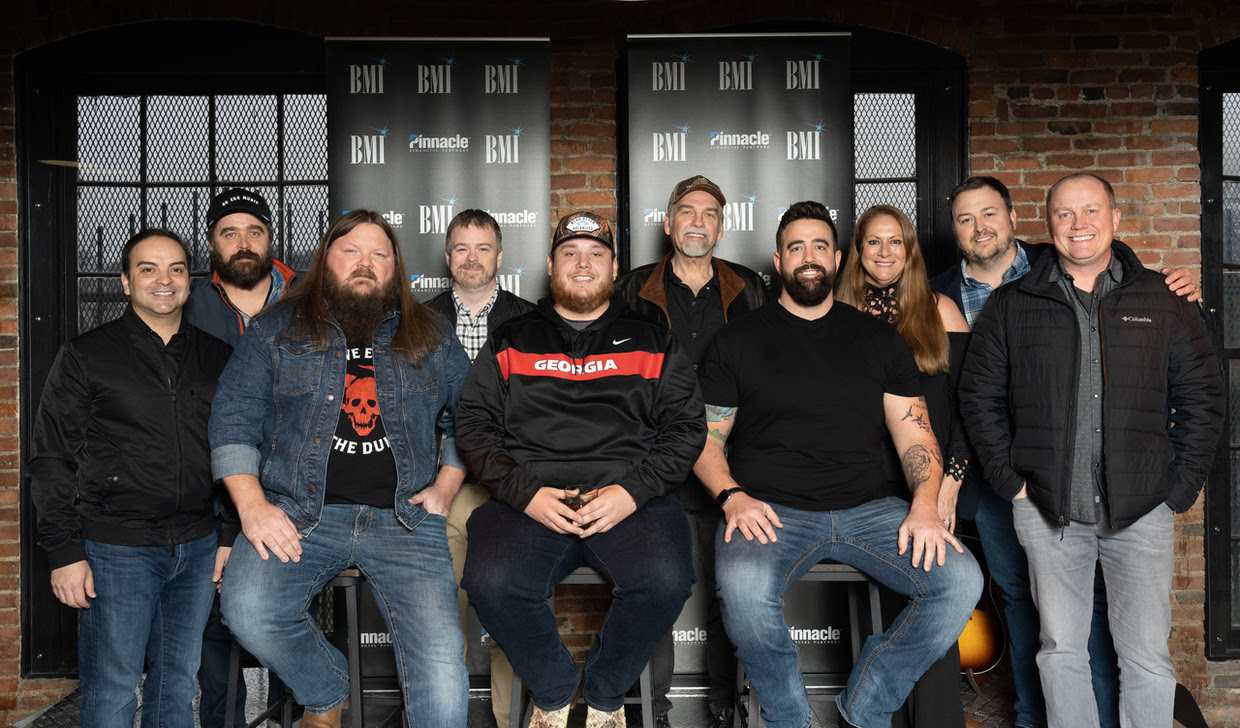 Can T Stop The Train Luke Combs Celebrates Fourth No 1