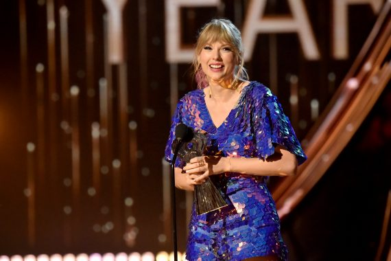 Garth Brooks Taylor Swift Maren Morris Luke Combs Earn Top Iheartradio Music Awards