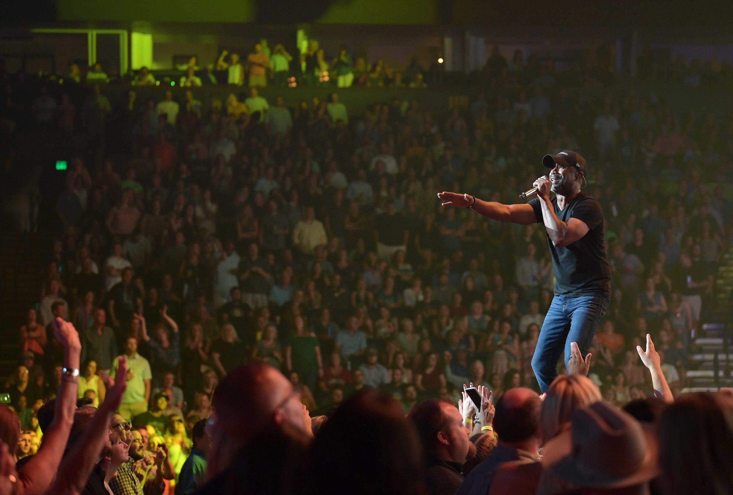 Hootie The Blowfish Cap Out Nashville S Bridgestone Arena