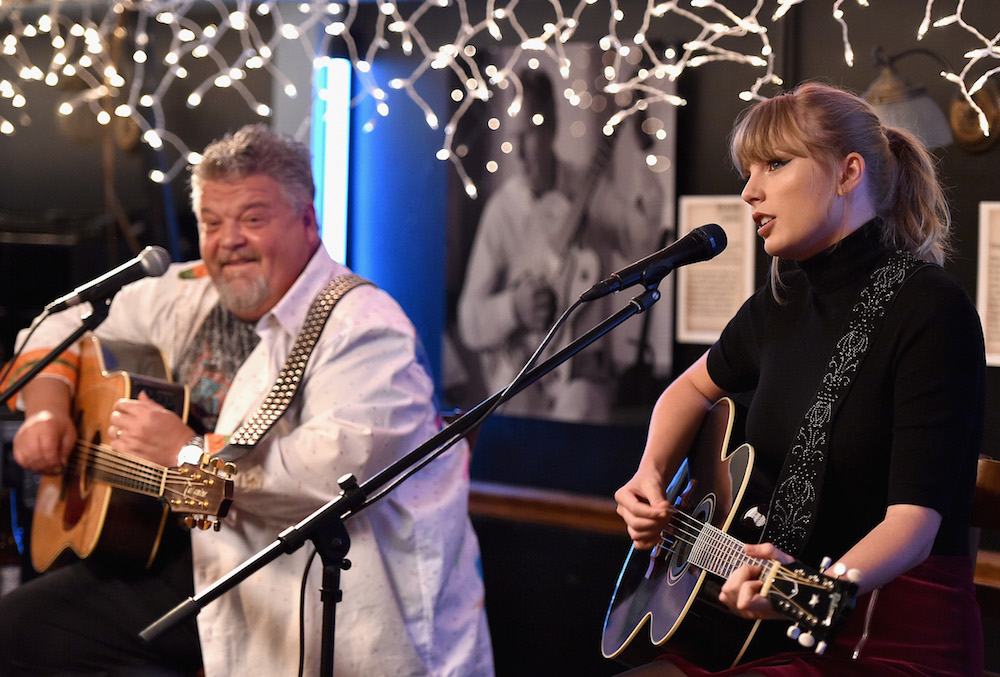 CMT To Host Broadcast Premiere For Bluebird Cafe Documentary