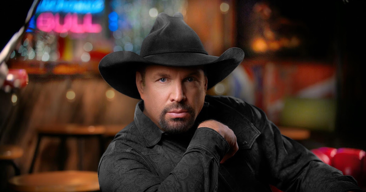 Garth Brooks seeks withdrawal from CMAs' Entertainer of the Year contention
